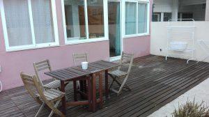 Cozy Apartment with Terrace next to Jardim da Estrela